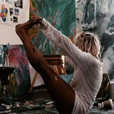 aesthetic, beauty, and artist image Artist Life, Artist At Work, Art Studio Room, Artist Aesthetic, Aesthetic Beauty, Atelier D Art, Paint Photography, Creative Instagram Stories, Painting Of Girl