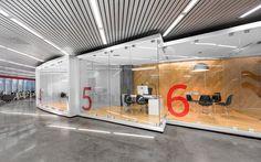 Gallery For > Corporate Office Interiors Glass Creative Office Space, Cool Office, The Office, Office Spaces, Work Spaces, Office Ideas, Workplace Design, Corporate Design, Retail Design