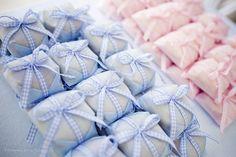 chá de bebe Homemade Baby Shower Favors, Baby Gender, Baby Shower Parties, Baby Boy, Gift Wrapping, Party, Diy, Bernardo, Babys