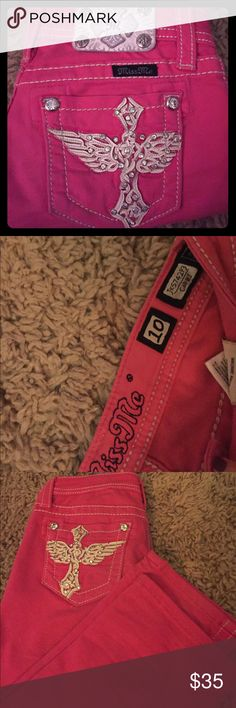 Girls Miss Me Capris Girls Miss Me Capris-Pink/Size 10/Very nice condition/ Offers available/trades available Miss Me Bottoms Jeans