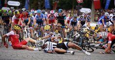 Tour de France 2014 - Stage 21: Évry - Paris Champs-Élysées - Riders crash on the final circuits in Paris