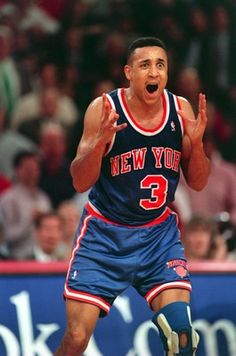13 May An animated John Starks of the New York Knicks vents his frustration during the Knicks defeat by the Chicago Bulls in the second round of the 1994 NBA Playoffs. Basketball Jones, Love And Basketball, Sports Basketball, Basketball Players, Basketball Leagues, Basketball Legends, New York Knicks, John Starks, Nba Stars