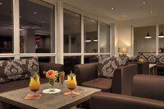 Gemütliche Hotel Lounge mit Panoramablick über Riezlern im Kleinwalsertal Hotel Lounge, Modern, 306, Couch, Furniture, Home Decor, Environment, Photos, Cottage Chic