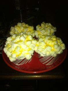 So simple even I did it. Marshmellows and yellow glitter sprinkles