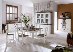 Esszimmer Clement 2 Holz Akazie Weiß 6102. Buy now at https://www.moebel-wohnbar.de/esszimmer-landhaus-clement-landhausmoebel-weiss-holz-akazie-massiv-6102.html