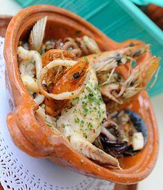 Si te gusta la comida del mar, tienes que probar las creaciones del restaurante Bello Puerto, especialmente su caldo de mariscos estilo sinaloa. Si quieres saber qué otros platillos puedes probar en este local da click aquí: http://www.altonivel.com.mx/20361-bello-puerto-mariscos-con-sabor-tradicional-mexicano.html