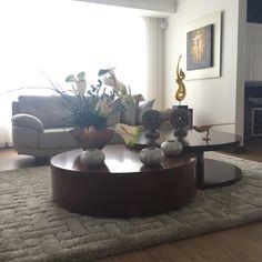 Design by: Elizabeth Arévalo Diseño & Decoración. #diseño #decoracion #diseñopropio #elizabetharevalo #sala #design #interiordesign #interior  #interiordesigns Interiores Design, Living Room Designs, Table, Furniture, Home Decor, Decoration Home, Room Decor, Tables, Home Furnishings