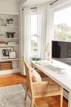 A Budding Designer's Decor Tips and Tricks Home Office Design, Home Office Decor, House Design, Cute Home Decor, Home Decor Inspiration, Decor Ideas, Apartment Living, Decoration, Living Spaces
