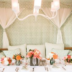 Lounge-inspired reception table | J. Anne Photography | Layers of Lovely | www.theknot.com