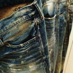 some cool distressed/vintage denim. Raw Denim, Blue Denim, Denim Jeans, Washed Denim, Biker, Estilo Denim, Mode Jeans, Vintage Denim, Denim Fashion