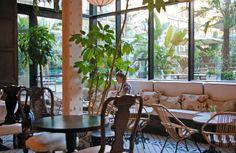 """El hotel Cotton House, alzado en la antigua sede de la """"Fundación Textil Algodonera"""", ofrece una deliciosa propuesta mediterránea en su restaurante Batuar."""
