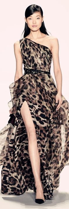 Best Gowns of Fall 2014 Fashion Week International Animal Print Outfits, Animal Print Fashion, Fashion Prints, Fashion Design, Animal Prints, Daily Fashion, Fashion Mode, Runway Fashion, London Fashion