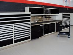 Every dealership has specific requirements and challenges. Rousseau's products are high quality, modular and customizable to reflect the dealership's desired image. Shop Organisation, Garage Tool Organization, Garage Tool Storage, Garage Tools, Garage Ideas, Metal Cabinets, Garage Cabinets, Mechanic Shop, Mechanic Garage