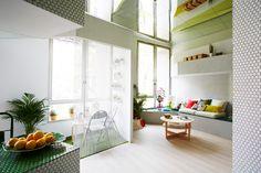 Vivir en un apartamento de 36 m2 es posible | Decoratrix | Decoración, diseño e interiorismo --Amazing 36-square meter apartment. The mirrors on the ceiling help a lot...