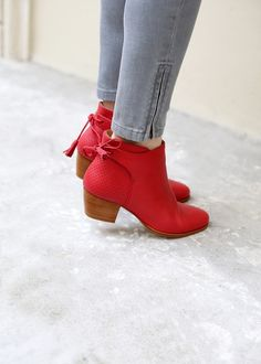 Red booties would be a great addition to my black and white outfits. Red booties would be a great addition to my black and white outfits. Pretty Shoes, Beautiful Shoes, Cute Shoes, Me Too Shoes, Heeled Boots, Bootie Boots, Shoe Boots, Shoes Sandals, Red Ankle Boots