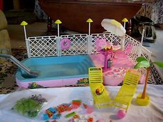 VINTAGE BARBIE SWIMMING POOL TROPICAL POOL&PATIO SET 1986 X RARE ALMOST COMPLETE