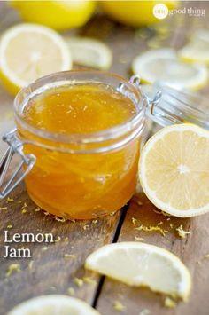 Jam Easy and delicious lemon jam! Plus a recipe for crepes with a creamy lemon filling :-)Easy and delicious lemon jam! Plus a recipe for crepes with a creamy lemon filling :-) Chutneys, Pickles, Lemon Jam, Lemon Marmalade, Lemon Tarts, Salsa Dulce, Jelly Recipes, Lemon Jelly Recipe, Lemon Recipes Easy