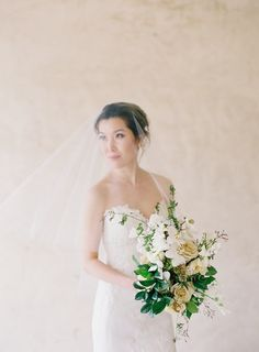 Real bride Susie in our Delphine Fingertip Veil. Photo credit Jen Huang.