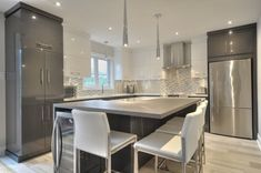 6 ides to give you a punch in a kitchen Kitchen Remodel, Kitchen Decor, New Kitchen, Home Kitchens, Modern Kitchen Design, Kitchen Renovation, Kitchen Design, Kitchen And Kitchenette, Smart Kitchen