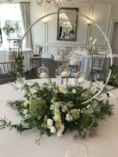 : 40 DIY wedding decor ideas - beautiful wedding decorations to make yourself - Candles and flowers decoration for wedding - Wedding Table Centerpieces, Wedding Flower Arrangements, Diy Wedding Decorations, Flower Decorations, Floral Arrangements, Wedding Bouquets, Wedding Flowers, Table Arrangements, Table Wedding