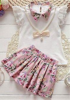 lace ruffle shirt and skirt - floral dress set, Diy Abschnitt, Frocks For Girls, Kids Frocks, Little Girl Dresses, Baby Dress Design, Baby Girl Dress Patterns, Baby Girl Fashion, Kids Fashion, Kids Dress Wear, Girl Outfits