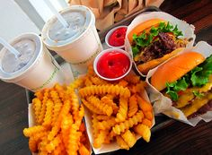 Image via We Heart It https://weheartit.com/entry/70738879/via/3955565 #burger #burgers #chips #cola #delicious #fastfood #fastfood #food #foods #french #fries #hamburger #hungry #meat #OMG #tumblr #yum #yummy #foodporn #cheddar #tastey #shakeshack #foodgasm