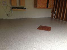 Metallic diamond accent! Garage Floor Coatings, Concrete, Metallic, Flooring, Rugs, Diamond, Home Decor, Farmhouse Rugs, Decoration Home