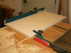 How to Work with Melamine-Coated Particleboard Shelving Particle Board, Ping Pong Table, Chipboard, Bookshelves, Shelving, Drawers, Woodworking, Organization, Cabinet
