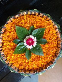 Easy Rangoli Designs Videos, Easy Rangoli Designs Diwali, Rangoli Designs Flower, Colorful Rangoli Designs, Flower Rangoli, Beautiful Rangoli Designs, Simple Rangoli, Flower Designs, Diwali Decorations At Home