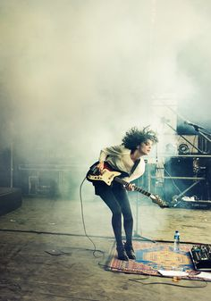 There's nothing better than a chick rocking out with a full head of curls. St. Vincent.