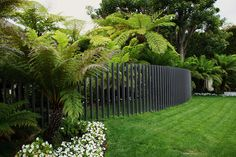modern fence ***Repinned by Normoe, the Backyard Guy (#1 backyardguy on Earth) Follow us on; http://twitter.com/backyardguy