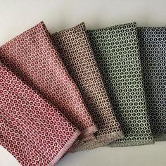 #weaversofinstagram #floorloom #handwoven #weaving #handwoventowels
