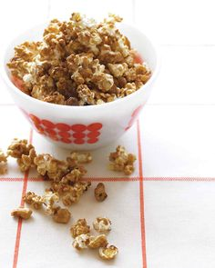 Skip the movie theater and still indulge your kids' popcorn cravings -- this extra-crunchy version (with some sweetness) will make them applaud right at home.