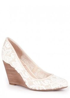 Lace Almond Toe Wedge