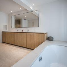 DWH woning. Waregem. 2016-2017 - OO BURO - Architectuur, Interieur, Omgeving Minimal Bathroom, House, House Bathroom, Home, House Inspiration, Small Bathroom Layout, House Interior, Bathroom Interior, Concrete Shower