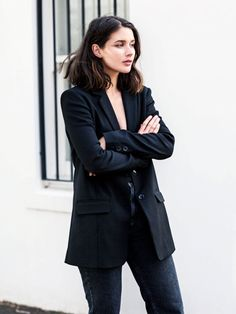 Style Notes: Australian blogger Sara Donaldson of Harper and Harleyhas a rotating wardrobe of black, white and grey, so she knows many a wondrous way to make these hues sing. The simplicity of...