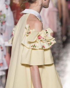 Vivetta at Milan Fashion Week Spring 2017 - Details Runway