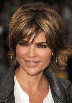 lisa rinna short shag hairstyle