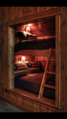 49 Coolest And Warm Bunk Beds with Wooden Wall Design - Cabin interiors - Rustic Bunk Beds, Cabin Bunk Beds, Wooden Bunk Beds, Loft Beds, Bed Nook, Rustic Loft, Rustic Cabins, Rustic Chic, Bunk Rooms