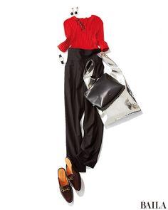手持ち服で秋らしいコーディネートを叶えたいなら、定番のセンタープレスパンツに赤いトップスを。Vネックのリブニットをパンツにインすれば、脚長効果も抜群な華コーディネートに。チアフルな赤を選べば、顔映えもよく、抜けきらない夏バテフェイスも隠せます。シンプルな着こなしだけに、耳もとや足・・・