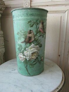 5 Min Crafts, Tin Can Crafts, Shabby Chic Furniture, Shabby Chic Decor, Shabby Chic Painting, French Flowers, Painted Trays, Spring Painting, Rose Decor