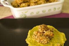 bocconcini di pollo con panatura di anacardi e guacamole