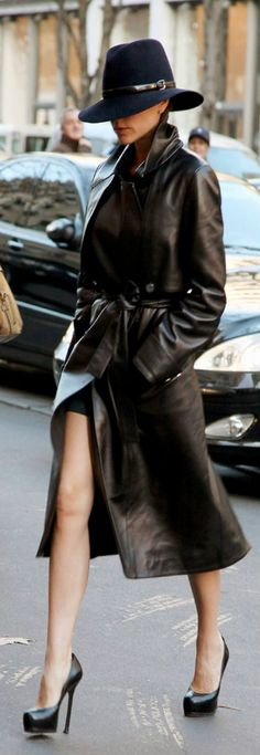 Charming Victoria Beckham and her Borsalino.                                                                                                                                                     More