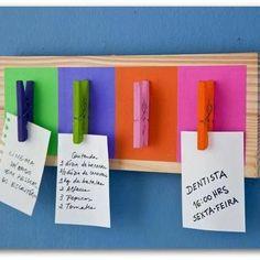 Sua vida anda muito corrida? Crie um marcador de tarefas com materiais que você tem em casa! Gosta de DIY? Clique na imagem e confira nossa série!