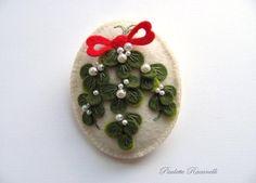 Felt Mistletoe Pin / Reserved for Igerig от Beedeebabee на Etsy, $20.00