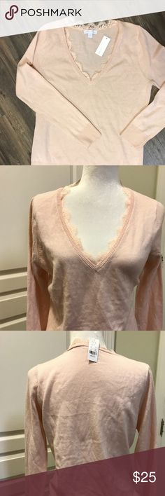 V-neck peach sweater Butiful Lace trimming on the neck Sweaters V-Necks
