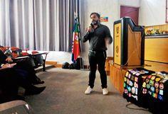 Seis empreendedores algarvios passaram uma tarde inteira a inspirar as cerca de 250 pessoas, na sua maioria jovens estudantes, que…