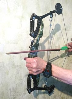 Homemade Crossbow, Homemade Weapons, Archery Bows, Slingshot, Hunting, Projects, Crossbow, Cold Steel, Arches