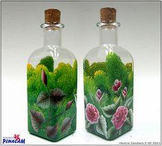 Botellas de cristal decoradas con la técnica multicarga. www.manualidadespinacam.com #manualidades #pinacam #multicarga #onestroke