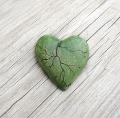 Tilia cordata - Linden Leaf Like Green Wooden Heart Brooch - Pin by Tanja Sova Heart Sign, Love Heart, Black Goldfish, Linden Leaf, Wooden Hearts, Beads And Wire, Garden Art, Green And Grey, Jewelry Crafts